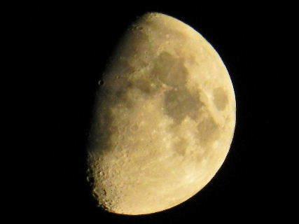 2016-06・15  夜半の空に輝く月.JPG