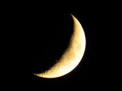 2016-07・09 文月の夜空に輝く三日月.JPG