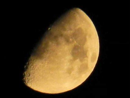2016-08・12 葉月の空に輝く月 (2).JPG