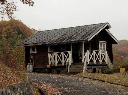 2016-12・02 里山のミニログハウス.JPG